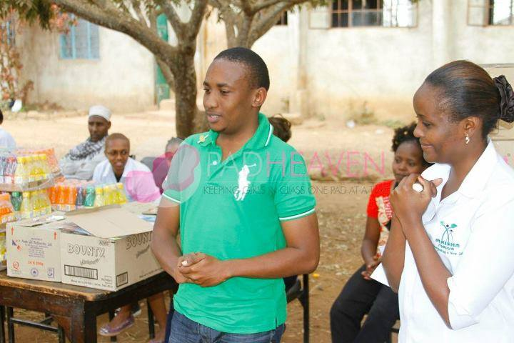 A few encouranging remarks to students of Kamenu Primary school who we visited and donated sanitary towels